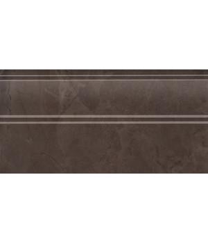 Плинтус Версаль коричневый обрезной